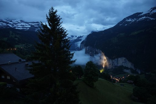 View into the Lauterbrunnen Valley from Wengen